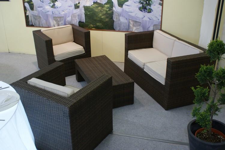 Mobili lavelli divanetti in rattan for Offerte divanetti da giardino