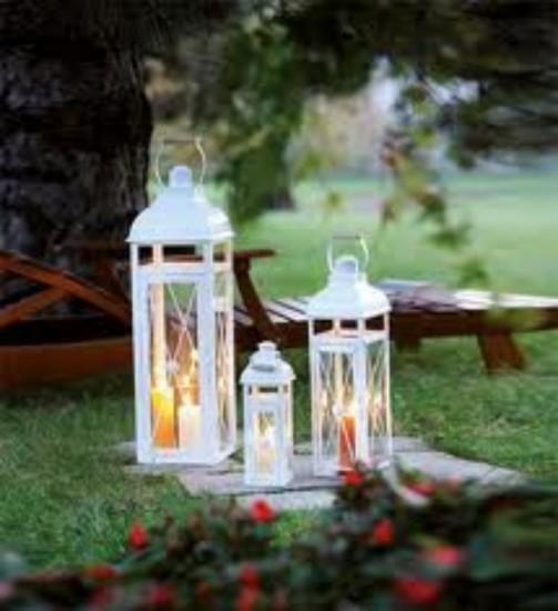 lanterne che si possono posizionare per segnare un percorso o far ...